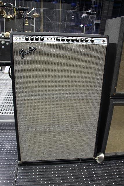 Fender Silvertone Джоша Клингхоффера