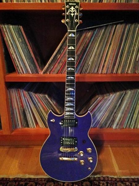 Frusciante's main axe—a Yamaha SG2000