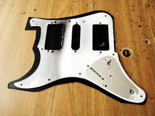Изготовление пикгарда - гитарная мастерская Pretty Underground ( http://vk.com/remont_gitar_service )