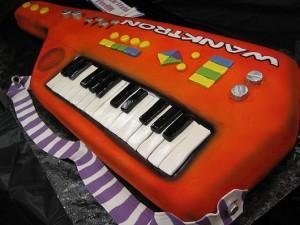 Keytar Cake