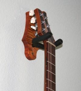 Настенный кронштейн для гитары