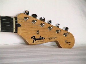 Squier Series MIM Stratocater